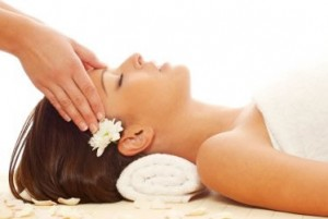 head-massage-aromatherapy